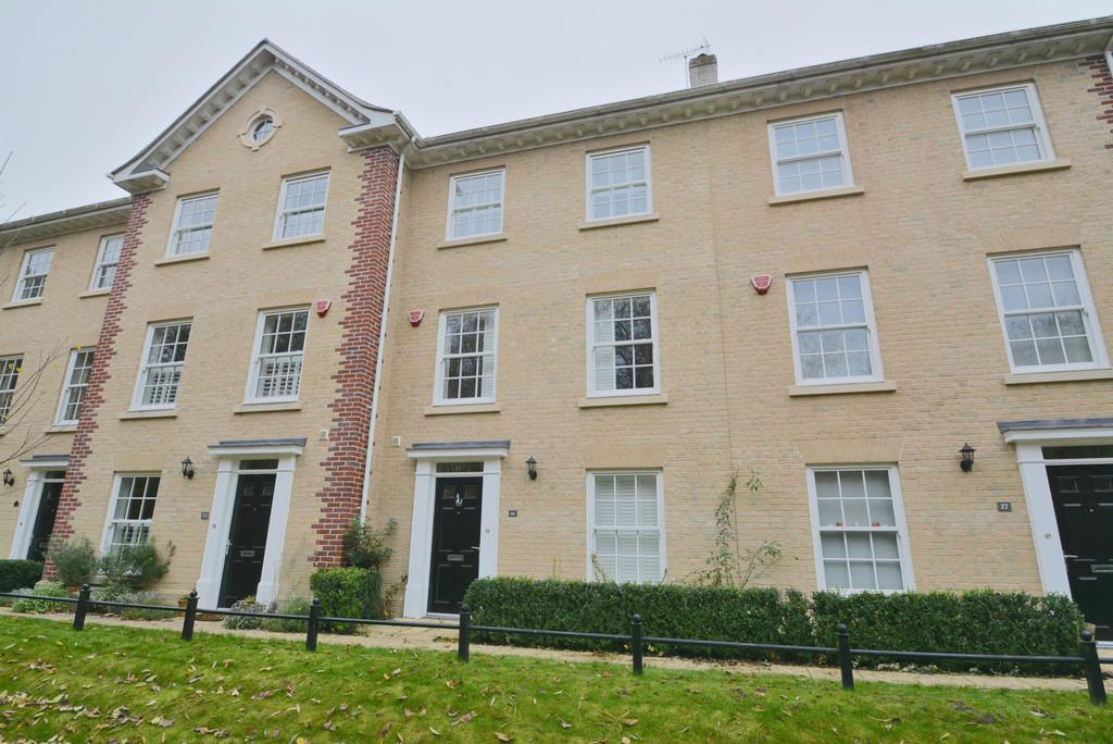 4 Bedrooms Terraced House for sale in Blyth Mews , Halesworth