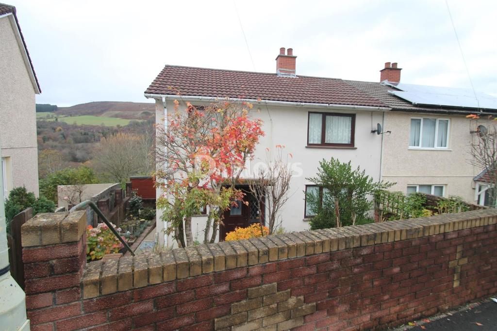 3 Bedrooms Semi Detached House for sale in Bryntirion, Ynysboeth