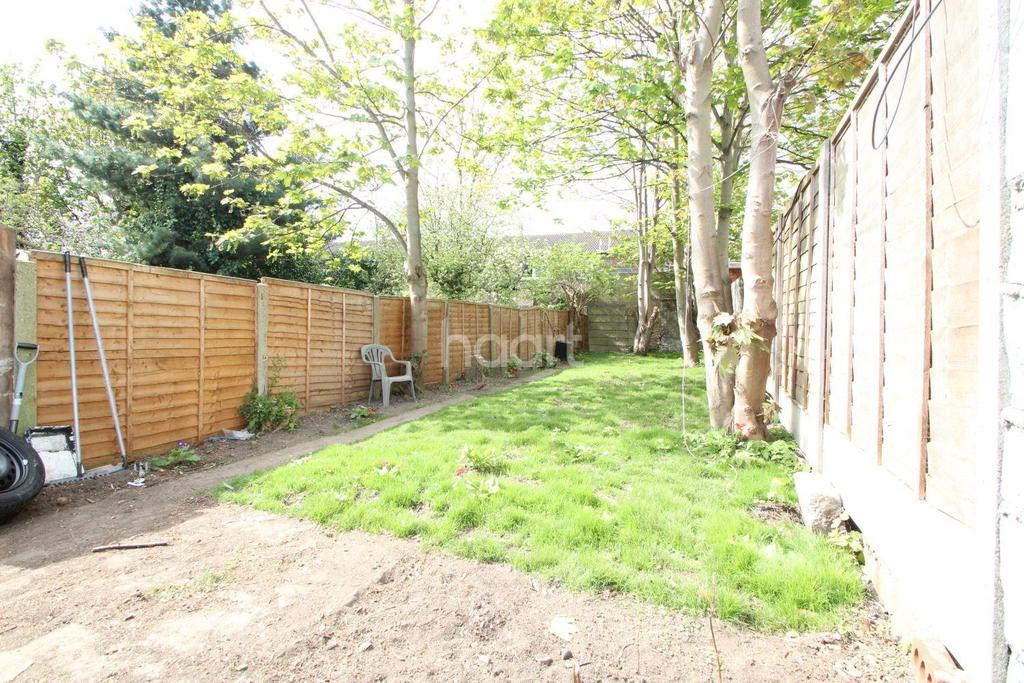 2 Bedrooms Terraced House for sale in Odessa Road, London, E7