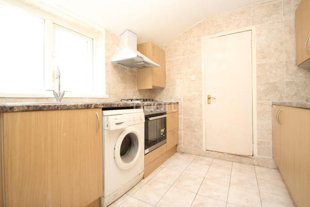 2 Bedrooms Terraced House for sale in Odessa Road, Forest Gate, London, E7