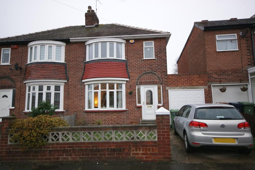 3 Bedrooms Semi Detached House for sale in Honister Drive, Fulwell