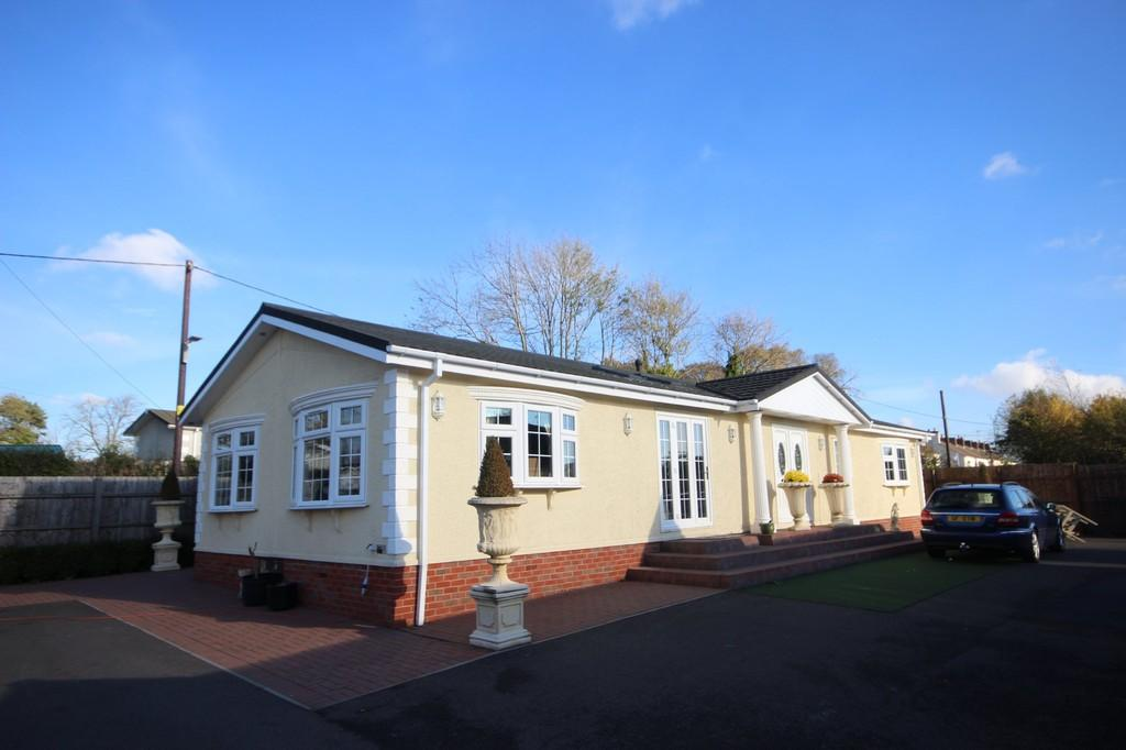 2 Bedrooms Park Home Mobile Home for sale in Moorlands Park, Ashby Road