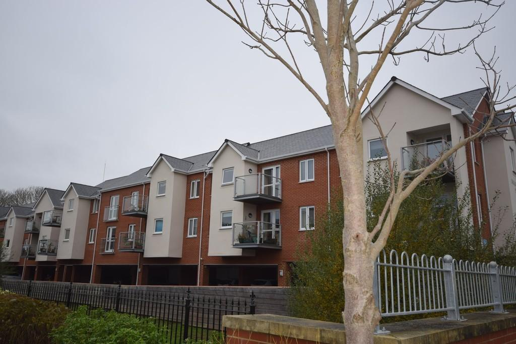 1 Bedroom Apartment Flat for sale in Foxes Road, Newport