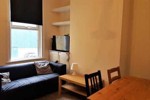 5 bedroom property to rent - Brook Road, Bath