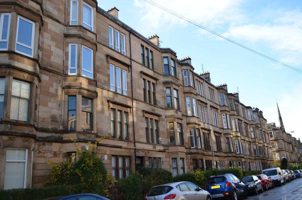 2 Bedrooms Flat for sale in Albert Ave, Flat 2/2, Glasgow, Glasgow, G42 8RB