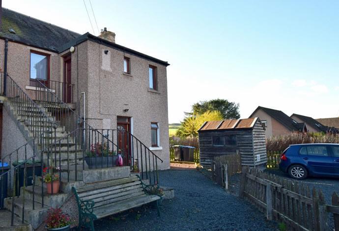 2 Bedrooms Flat for sale in 3 Haughhead Buildings Haughhead Road, Earlston, TD4 6EF