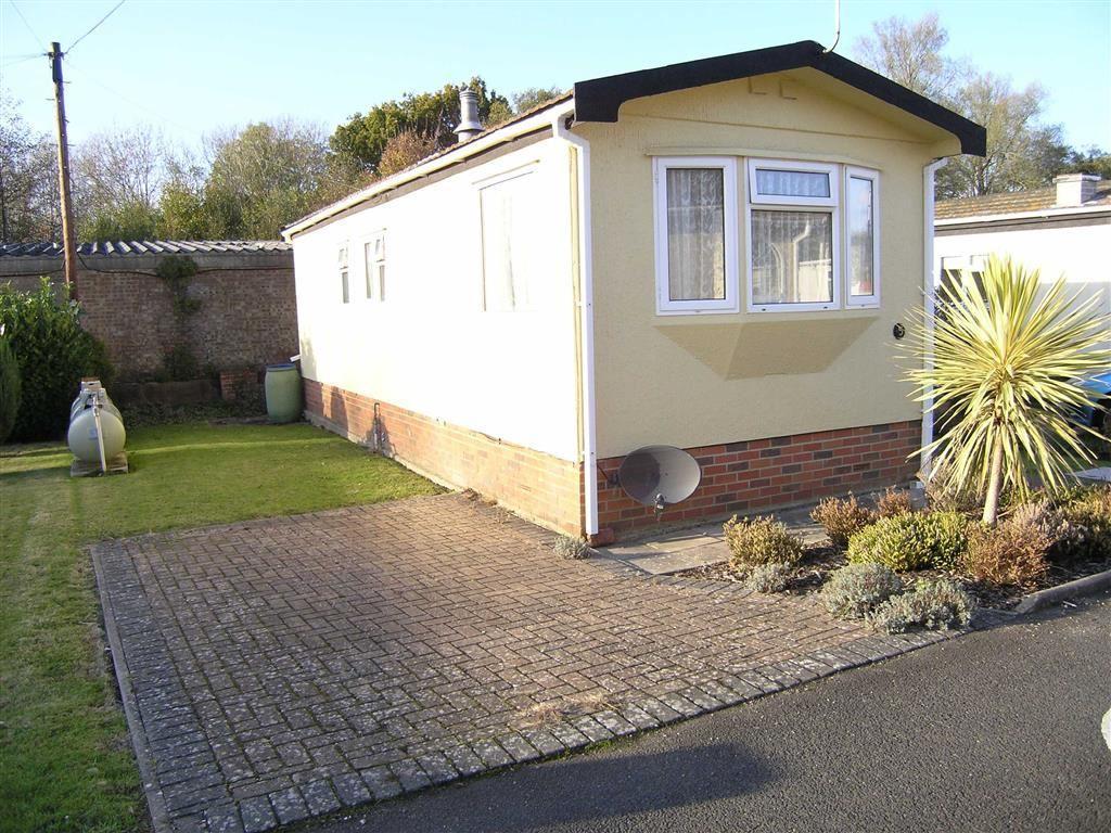 1 Bedroom Park Home Mobile Home for sale in Upper Horsebridge