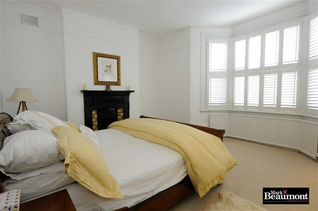 4 Bedrooms Semi Detached House for sale in Morley Road, Lewisham, Lewisham, London