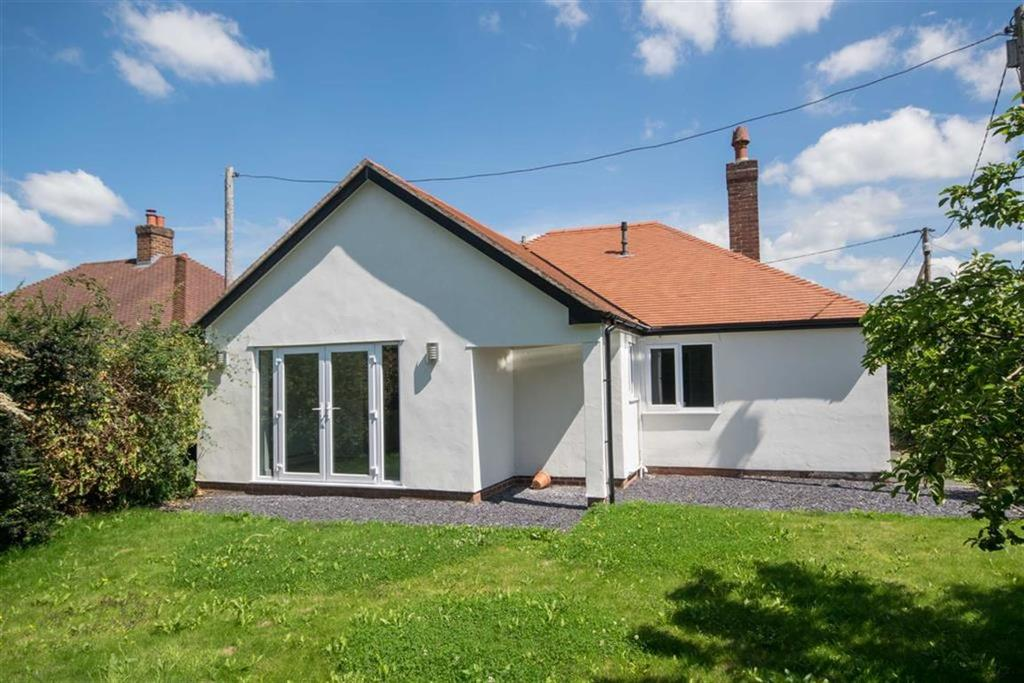 2 Bedrooms Detached Bungalow for sale in Maes Dolwen, Ruthin