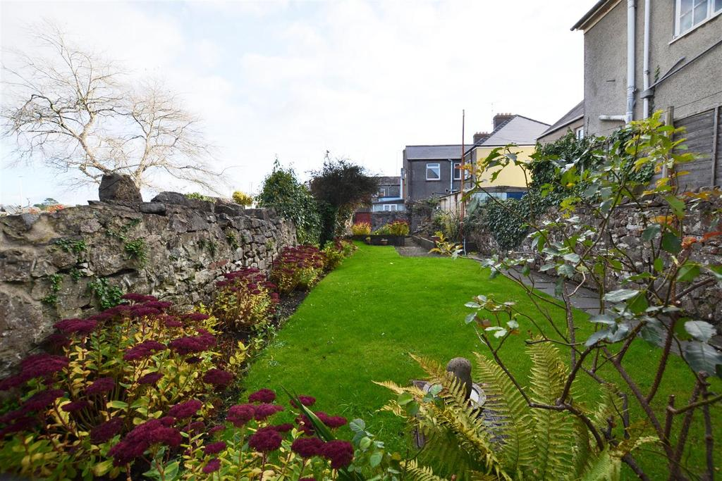 3 Bedrooms Terraced House for sale in Pembroke Dock