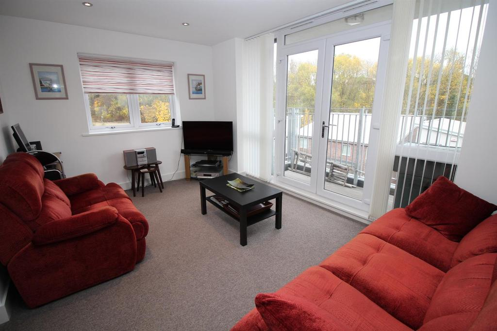 2 Bedrooms Apartment Flat for sale in Tynemouth Pass, Gateshead