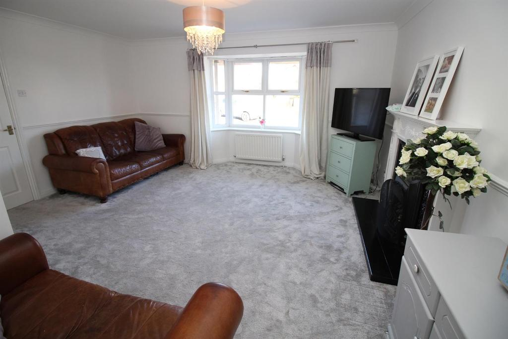 4 Bedrooms Detached House for sale in Hollydene, Kibblesworth, Gateshead