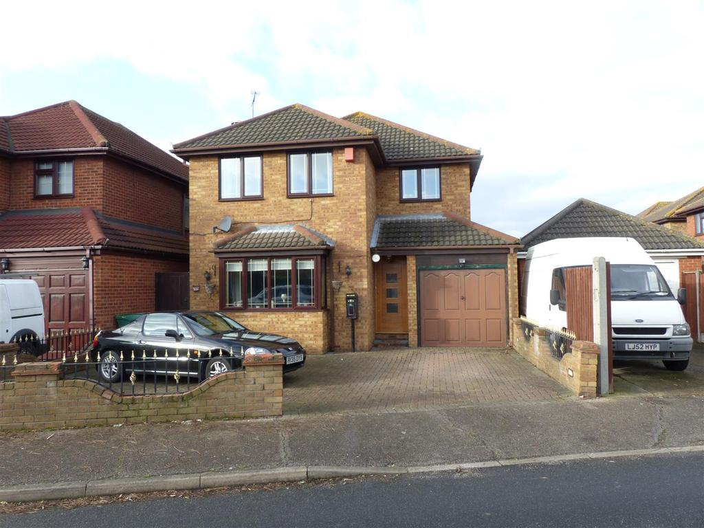 5 Bedrooms Detached House for sale in Jarvis Road, Canvey Island