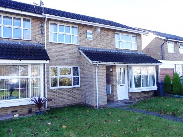 2 Bedrooms Maisonette Flat for sale in Anton Drive,Minworth,Sutton Coldfield