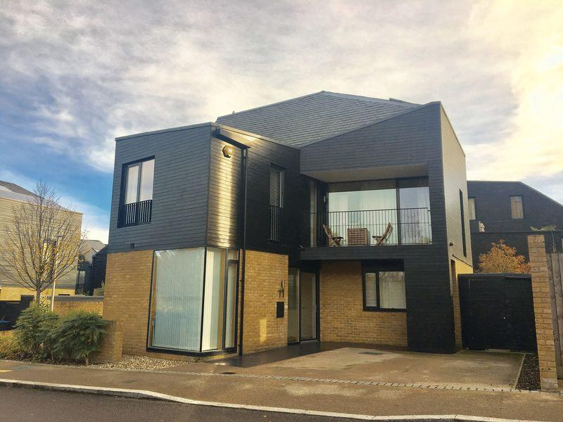 4 Bedrooms Detached House for sale in Maypole Street, Newhall, Harlow