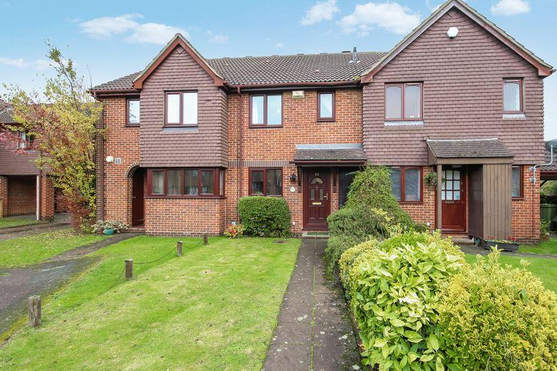 3 Bedrooms Terraced House for sale in Turners Meadow Way, Beckenham