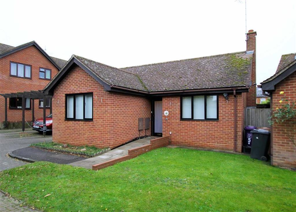 2 Bedrooms Detached Bungalow for sale in Winch Close, Codicote, Hertfordshire