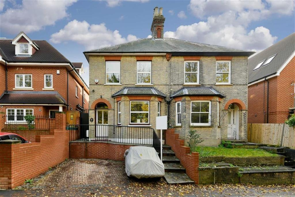 3 Bedrooms Semi Detached House for sale in Pitt Road, Epsom, Surrey