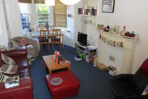 2 bedroom flat to rent - 36 Clifton Park Road, Garden Flat, Clifton, BS8 3HL