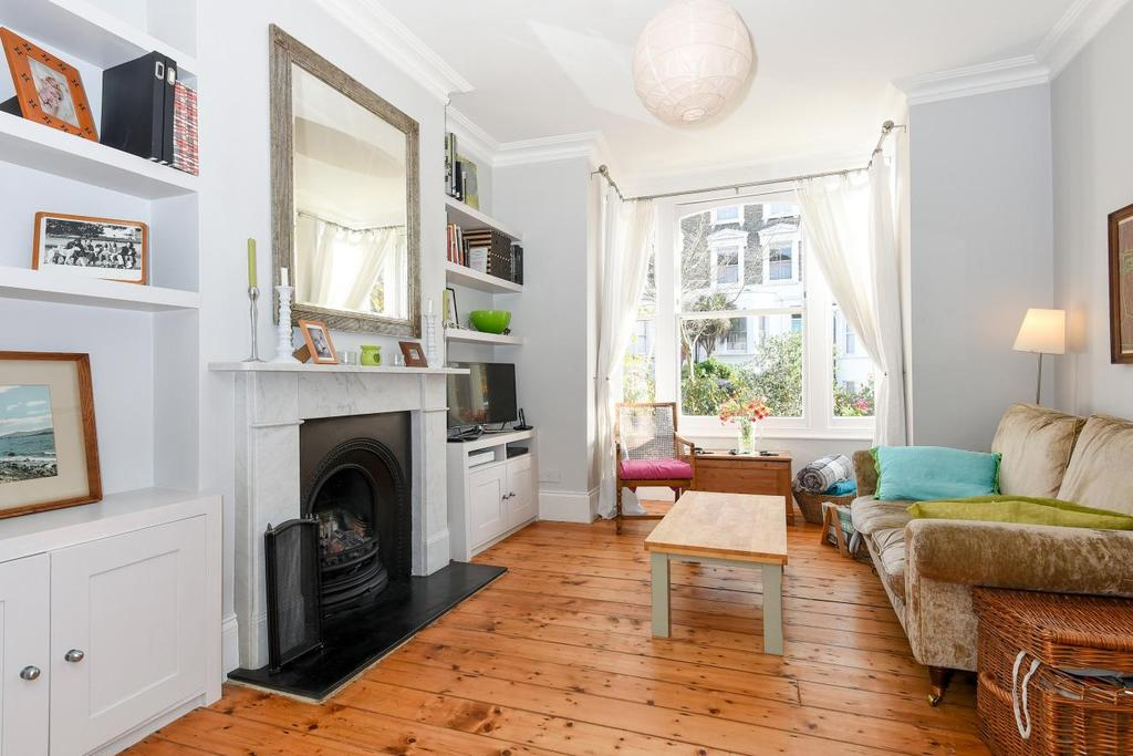 4 Bedrooms Terraced House for sale in St. Thomas's Road, Finsbury Park, N4