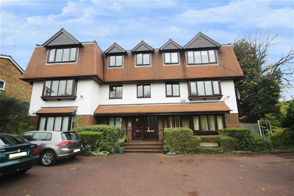 3 Bedrooms Flat for sale in Richmond Road, New Barnet, Hertfordshire