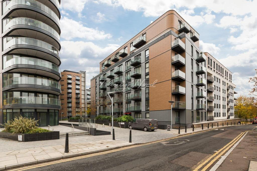 2 Bedrooms Flat for sale in Cordage House, Cobblestone Mews, Wapping, E1W