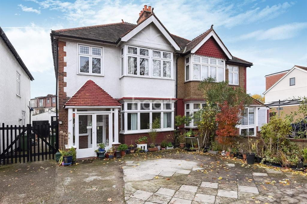 3 Bedrooms Semi Detached House for sale in Dorset Road, SW19