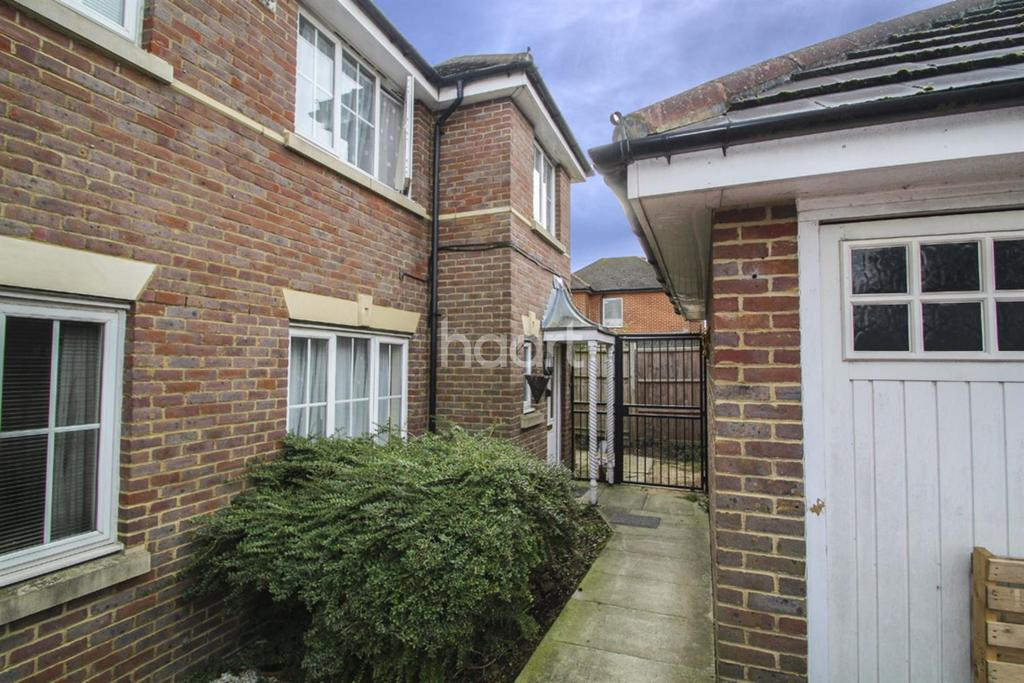 3 Bedrooms End Of Terrace House for sale in Langdale Terrace, Manor Way, Borehamwood
