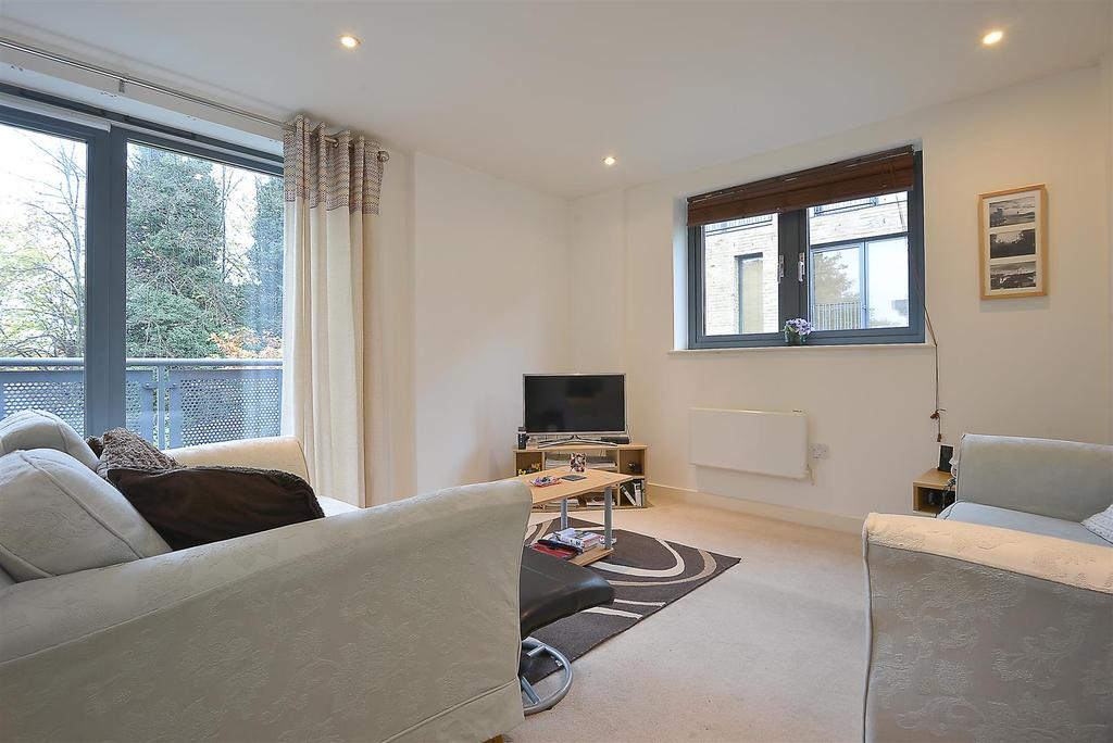 2 Bedrooms Flat for sale in Vista House, Colliers Wood, SW19