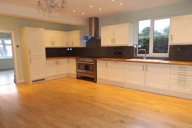 3 Bedrooms Bungalow for sale in Sandford Road, Mapperley, Nottingham, NG3