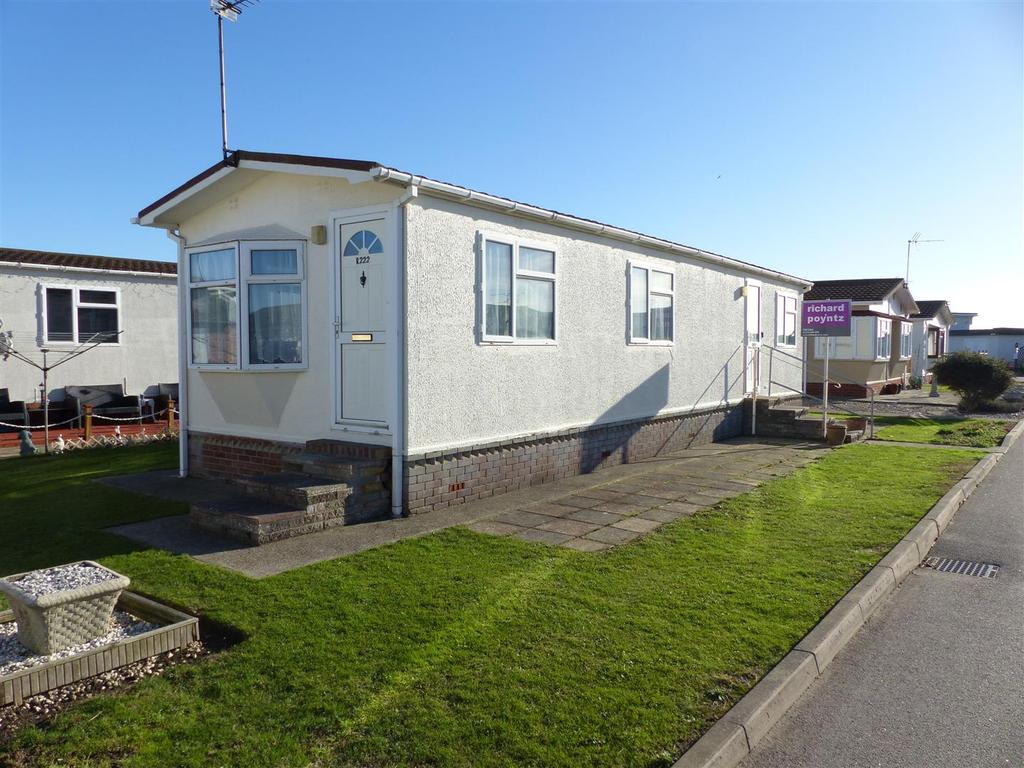 2 Bedrooms Park Home Mobile Home for sale in Kings Park, Creek Road, Canvey Island
