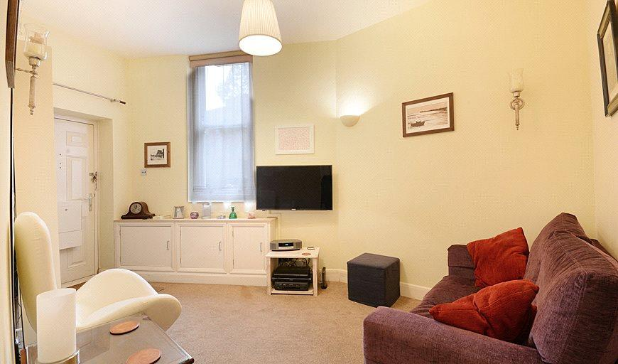 1 Bedroom Flat for sale in Balfour Street, London, SE17