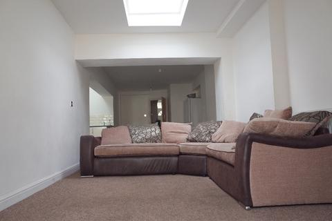 8 bedroom house share to rent - Harriet Street, Cathays, Cardiff
