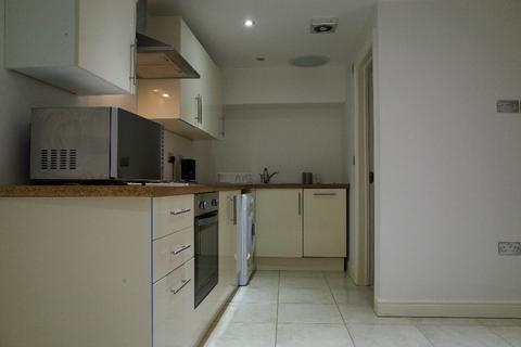 3 bedroom flat share to rent - Miskin Street, Cathays, Cardiff