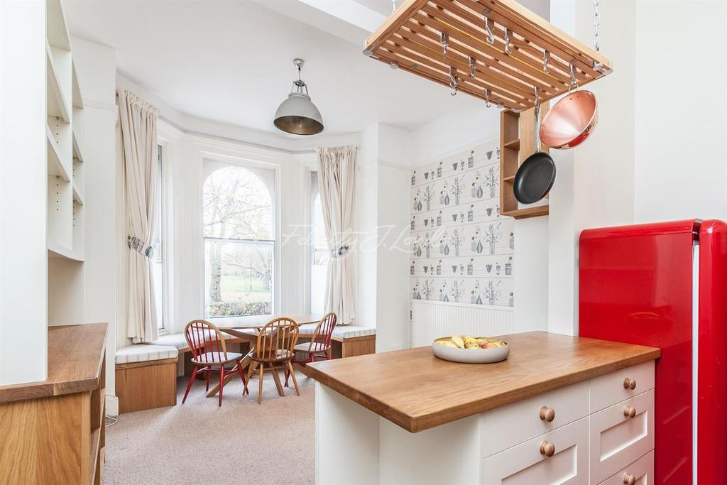 2 Bedrooms Flat for sale in Queensdown Road, Clapton, E5