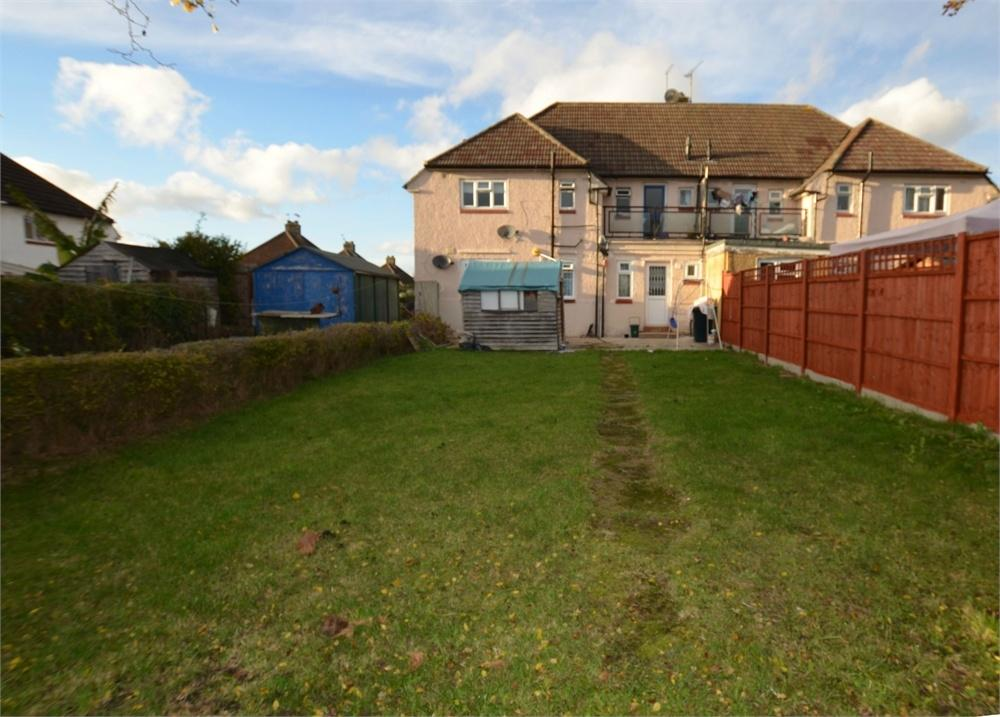 2 Bedrooms Maisonette Flat for sale in Highmead Crescent, Wembley, Greater London