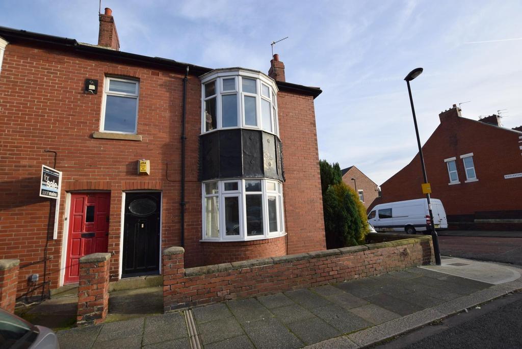 3 Bedrooms Flat for sale in Heaton