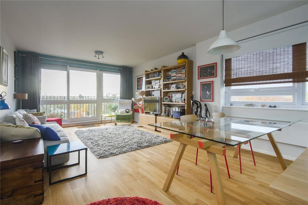 2 Bedrooms Flat for sale in Orwell Lodge, 4 Hermitage Walk, London, E18