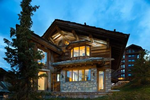 5 bedroom house  - Chalet In Private Area, Courchevel 1850, French Alps
