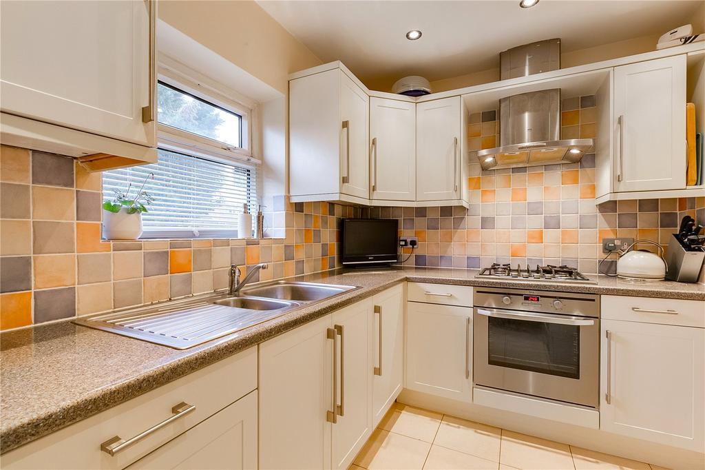 1 Bedroom Flat for sale in Windsor Road, Kew, Richmond, Surrey