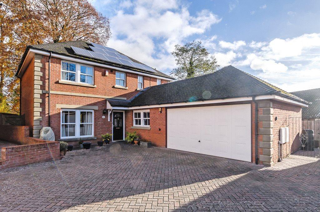 4 Bedrooms Detached House for sale in Glenside Gardens, Salisbury, Wiltshire, SP1