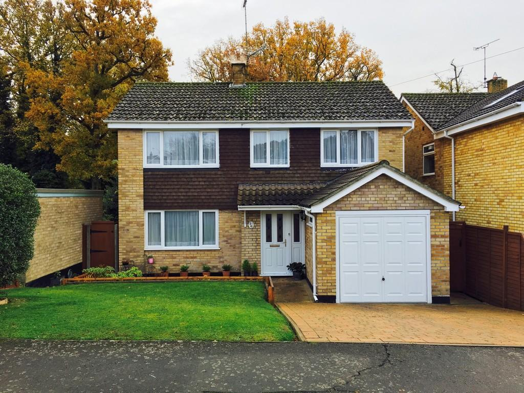 4 Bedrooms Detached House for sale in Lower Park Walk, Holton, Halesworth