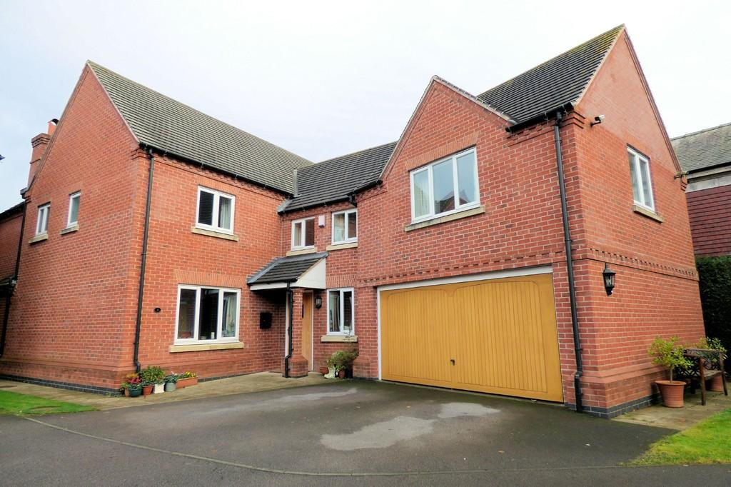 4 Bedrooms Detached House for sale in Hollies Court, Egginton Road, Etwall