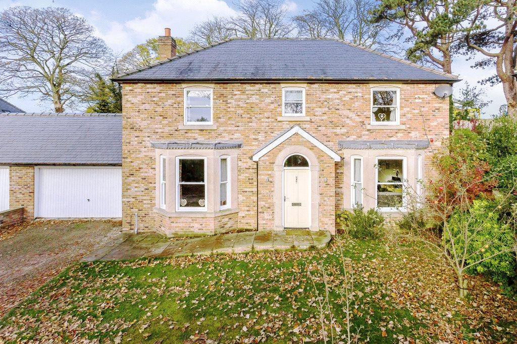 4 Bedrooms Detached House for sale in Laxton House, Ure Bank Terrace, Ripon, North Yorkshire, HG4