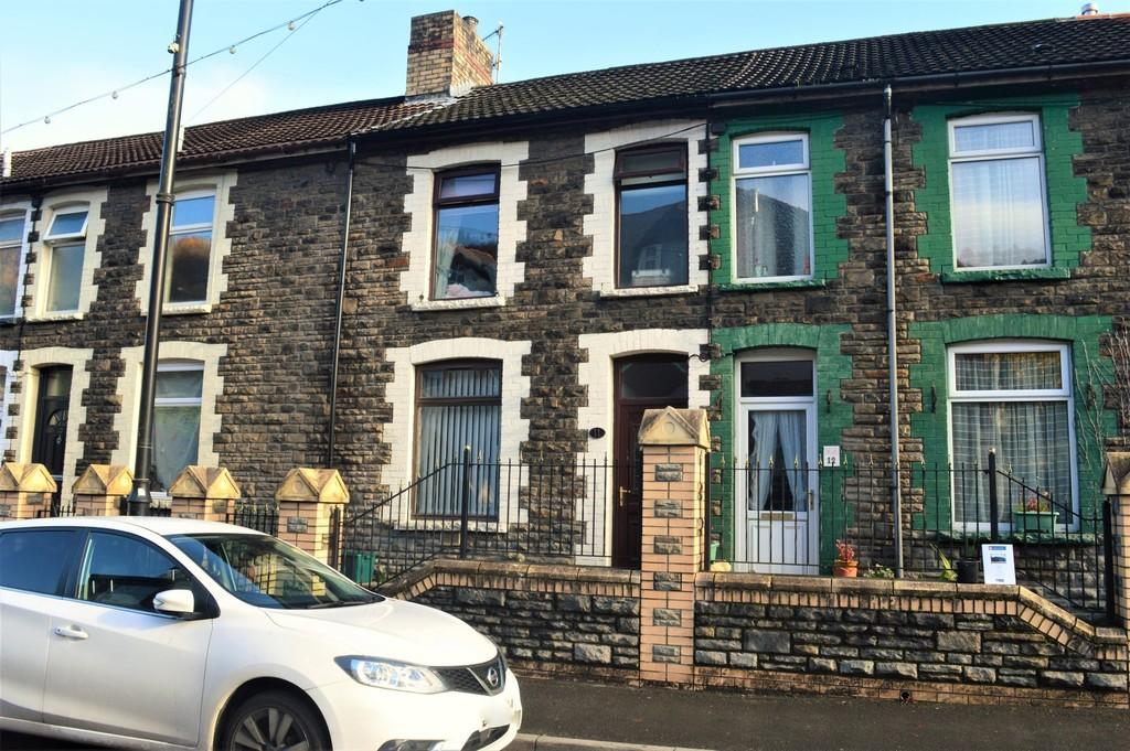 2 Bedrooms Terraced House for sale in Dewinton Terrace, Llanbradach
