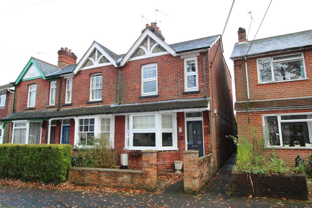 2 Bedrooms End Of Terrace House for sale in Newfield Road, Liss Forest