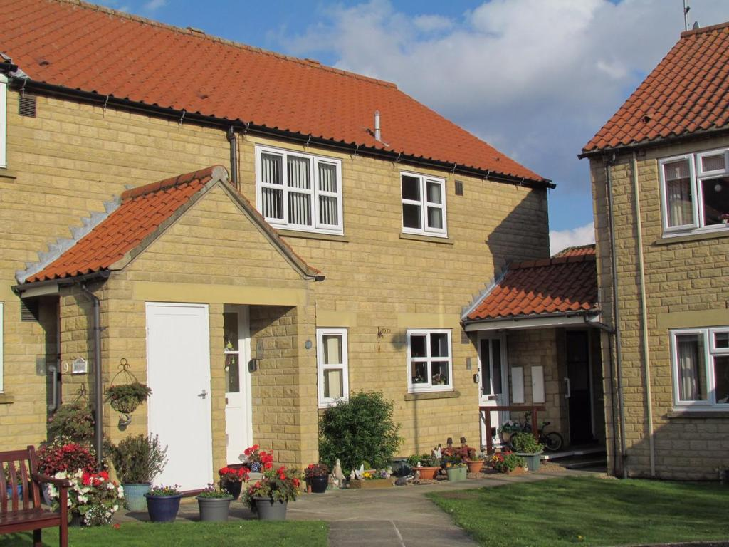 2 Bedrooms Flat for sale in Roxby Gardens, Thornton Dale, Pickering