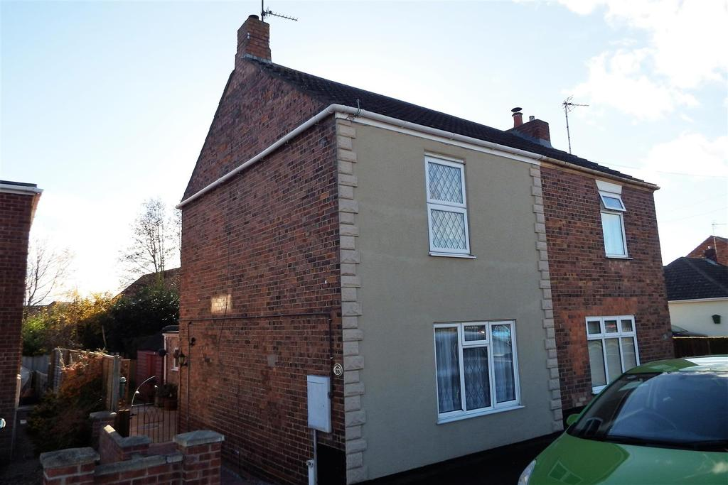3 Bedrooms Semi Detached House for sale in Bourne Road, SPALDING