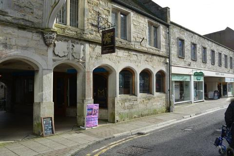 Retail property (high street) to rent - Dorchester DT1