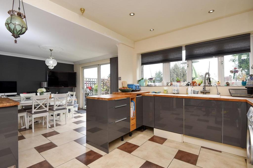 4 Bedrooms Semi Detached House for sale in Ashfield Road, Southgate, N14